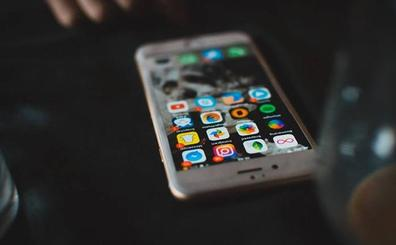 Guerra a la obsolescencia programada: la vida del móvil «es de 25 años»