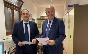 José Miguel González Robles y Antonio Silván formalizan sus candidaturas al Congreso y al Senado por León