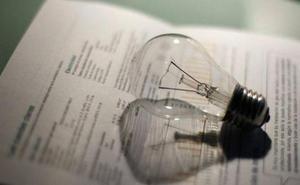 Familias vulnerables de Torre del Bierzo reciben consejos para reducir la factura energética