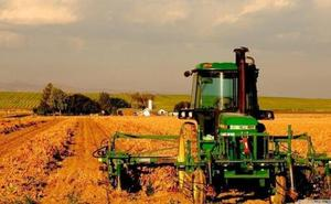 Castilla y León traslada al ministro Planas su posición sobre la nueva PAC, trabajada y consensuada con los agricultores
