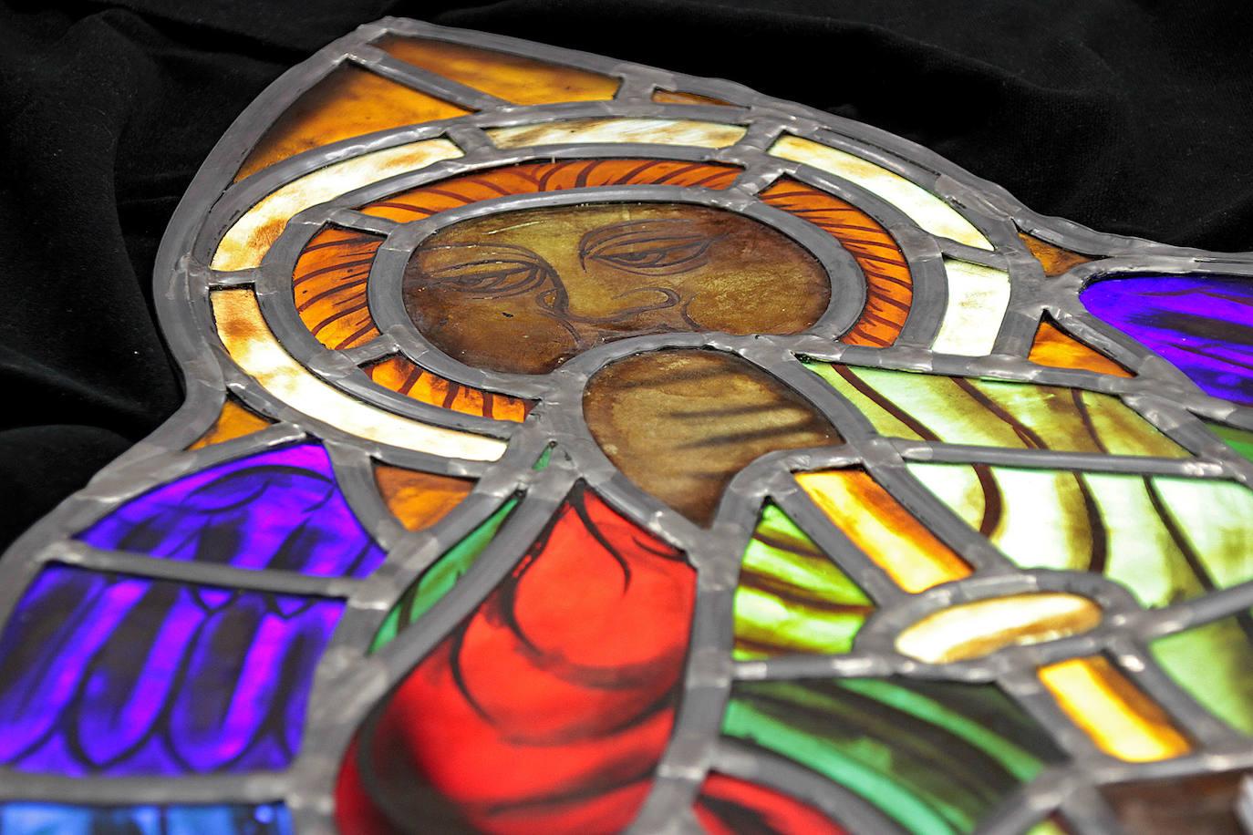 Restauración el rosetón de la Catedral de León