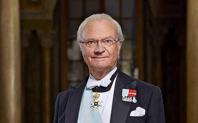 El rey de Suecia reduce la corte