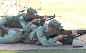 Los militares 'apuntan' maneras
