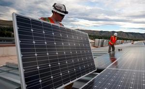Investigadores de la ULE descubren una vulnerabilidad que afecta a placas solares fotovoltaicas
