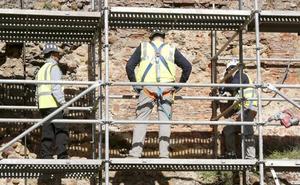 La muralla requiere un millón de euros y León avanzará para adecuar la cara norte y Ramón y Cajal