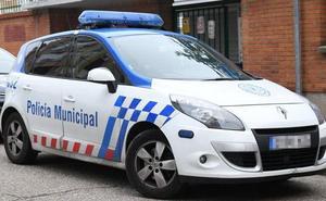 Tres detenidos en Valladolid sorprendidos in fraganti cuando forzaban varios vehículos en la calle Menorca
