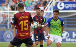 El debut de Manzanara solo deja a cinco jugadores inéditos en la Ponferradina