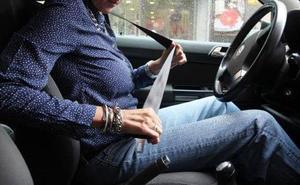 Tráfico denuncia a 51 personas en León durante la campaña especial de uso del cinturón