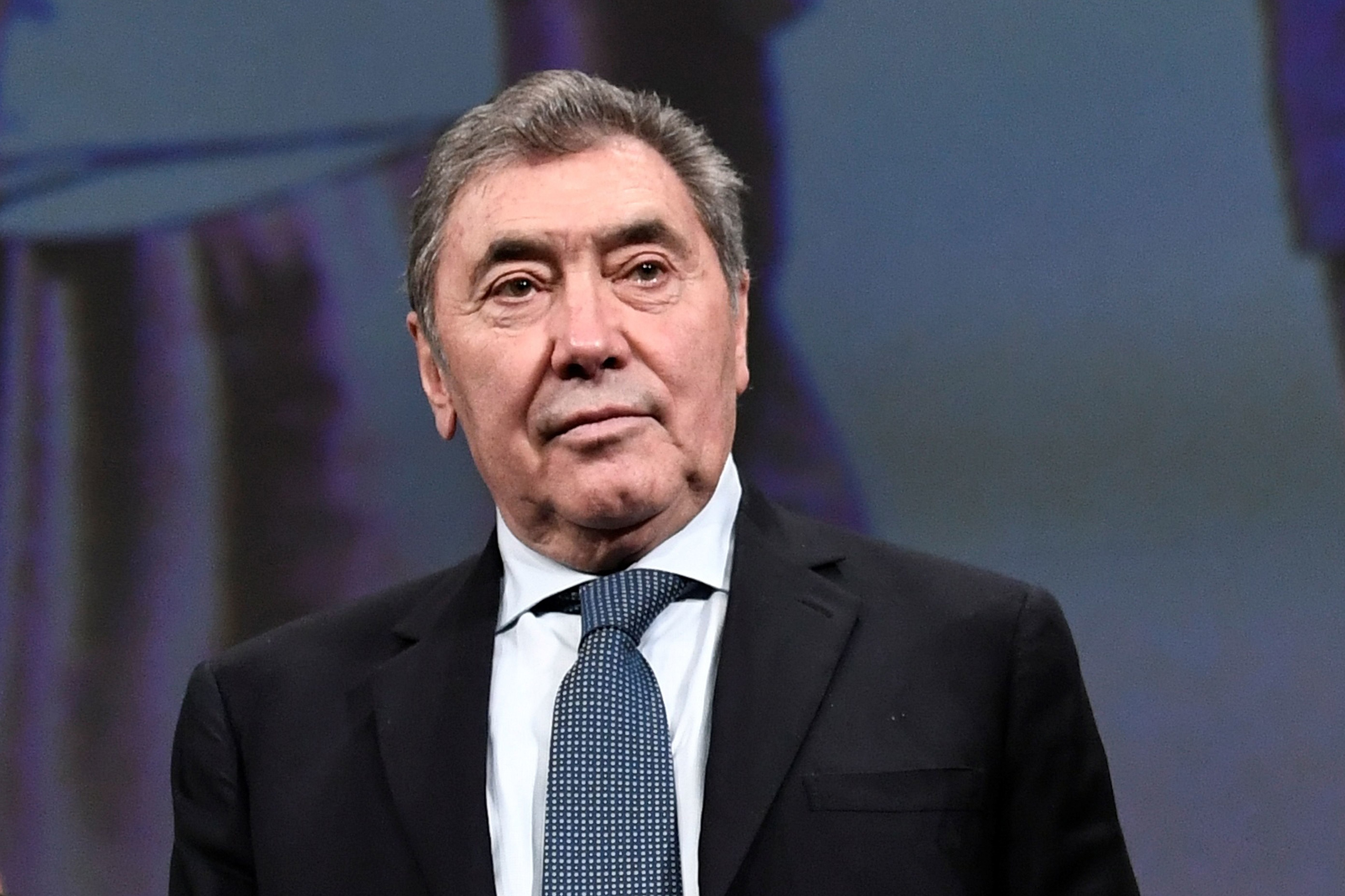 Eddy Merckx, hospitalizado tras un golpe en la cabeza al caerse de la bici