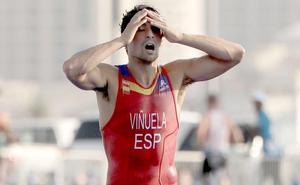 Doblete de oros para Kevin Viñuela: victoria con remontada en el relevo mixto
