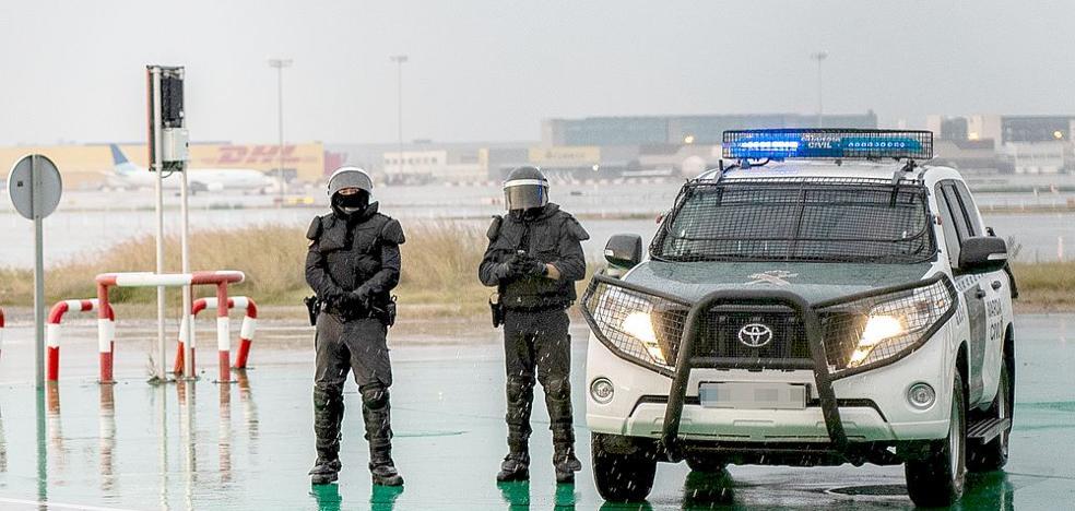 Los Guardias Civiles del GRS de León evitan el bloqueo del Aeropuerto de Barcelona-El Prat