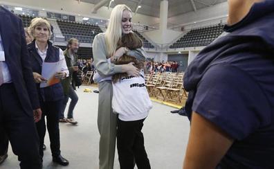 El día que María abrazó a Lindsey Vonn