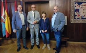 Ponferrada y Aletic buscarán acuerdos de colaboración con la ULE y empresas TIC para convertir a la ciudad en referente turístico a través de las tecnologías