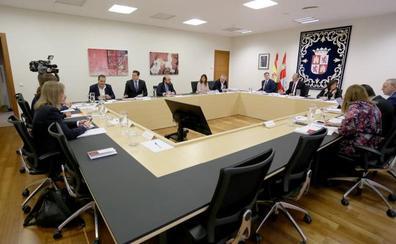 Pablo Fernández compara las Cortes con la «casa de tócame Roque» ante su deriva «autoritaria»