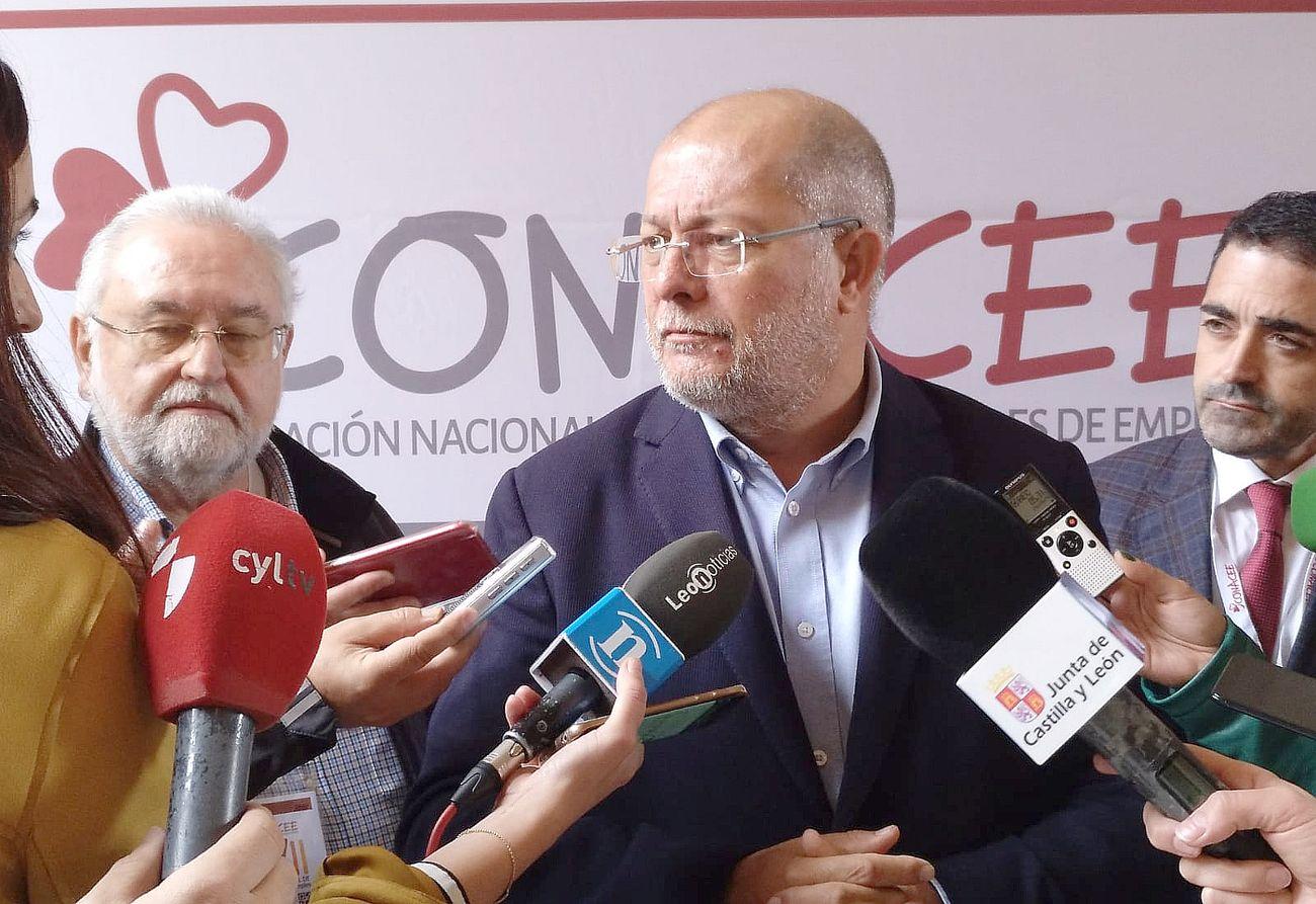 Igea anuncia en León que la de Villalar es la primera, pero que seguirán liquidando «otros entes y fundaciones»
