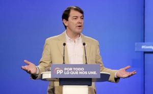 Mañueco pide al PP a «arañar» votos «pueblo a pueblo» para darle la »vuelta« a los resultados en Castilla y León