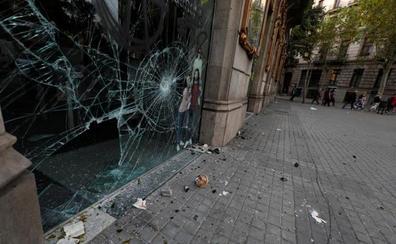 Barcelona despierta con cicatrices tras una noche de fuerte violencia