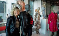 El traje de cuero que Olivia Newton-John lució en 'Grease', subastado por 405.700 dólares