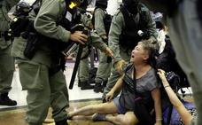 China asegura que ningún país toleraría la violencia de los manifestantes de Hong Kong