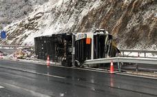 Un camionero fallecido en un accidente que ha cortado el Huerna