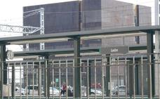 La presidenta de Adif compromete la supresión del 'fondo de saco' de la estación de León en 2020