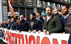 Apenas 1.500 personas se manifiestan a favor de la Constitución en Barcelona