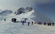Las estaciones de esquí leonesas reciben a más de 11.180 usuarios durante el fin de semana
