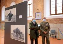 Igea visita la exposición 'El Centenario de la gesta del Regimiento de Alcántara'