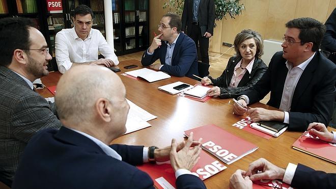El PSOE intenta abrir una brecha en Podemos tras las declaraciones de Carmena