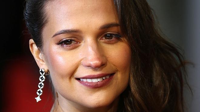 El estilo de Alicia Vikander, la actriz del momento
