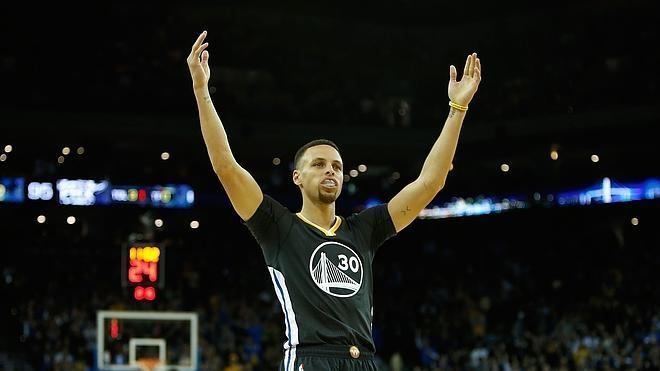 Los Warriors y los Spurs siguen intratables