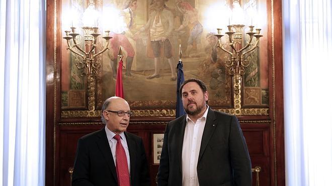 Montoro se compromete a pagar mes a mes los anticipos a Cataluña