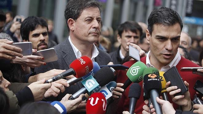 Besteiro anuncia su dimisión como secretario general del PSOE gallego