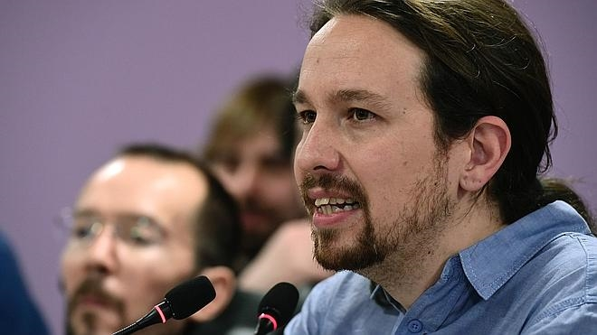 Iglesias elige a Echenique como número tres de Podemos