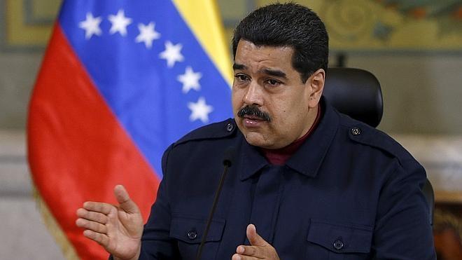 Maduro habla con Castro antes de que Obama aterrice en Cuba