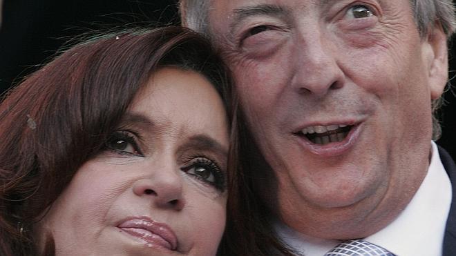 Una exsecretaria de Néstor Kirchner dice que fue su amante durante diez años