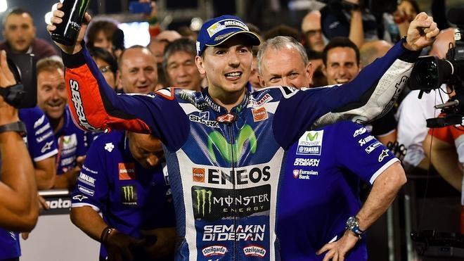 Jorge Lorenzo: «Al final, las marcas fuertes hablan con los pilotos fuertes»