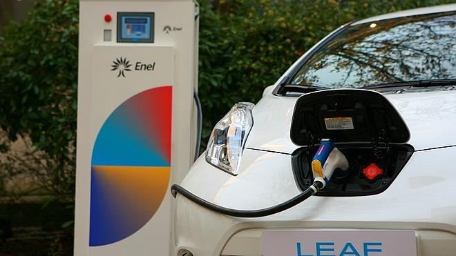 Vehículos eléctricos que alimentan oficinas