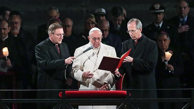 El Papa denuncia la conciencia «anestesiada» de Europa ante el drama de los refugiados