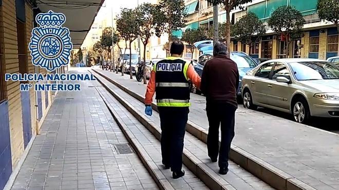 Detenido en Alicante un hombre de 71 años por abusar de cuatro menores