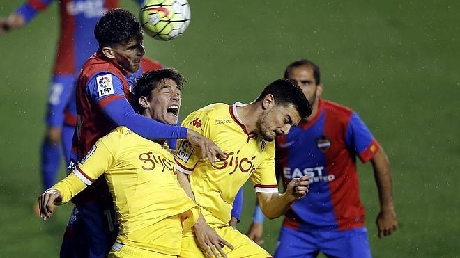 El Sporting sale vivo de Valencia