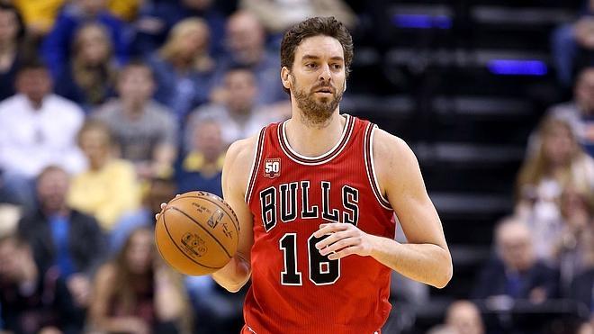 Gasol y Butler mantienen a los Bulls en la lucha por meterse en los 'playoffs'