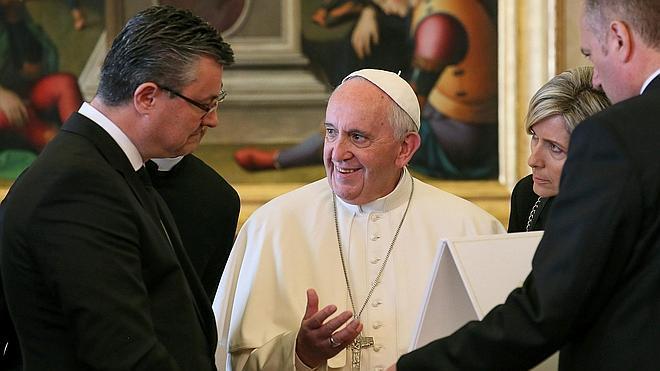 El Papa visitará Lesbos el 16 de abril para apoyar a los refugiados