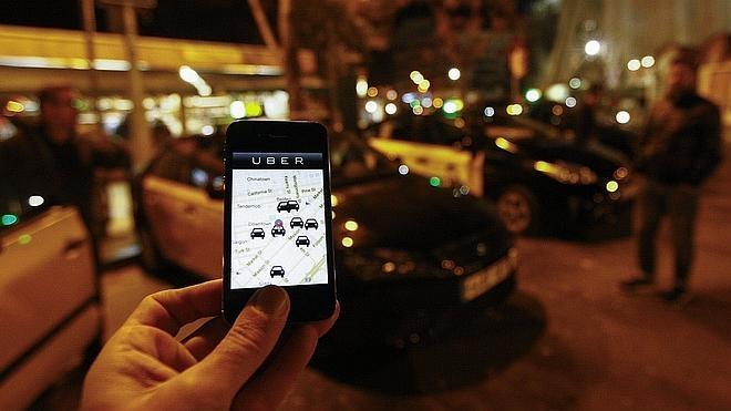 Competencia demanda al Gobierno por restringir el negocio de Uber