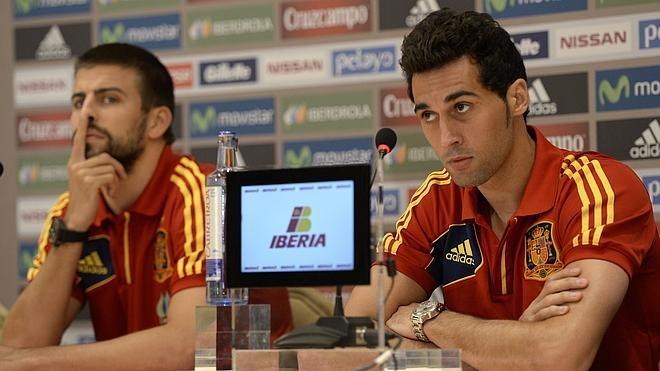 Arbeloa y Piqué se lanzan dardos en Twitter
