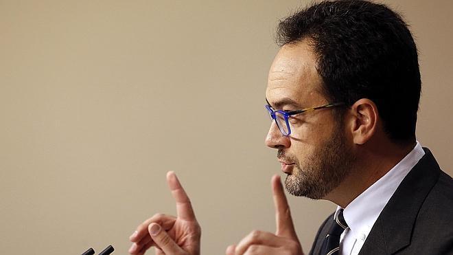 El PSOE: «Señor Rajoy, ahórrese su ofrecimiento. No, gracias»