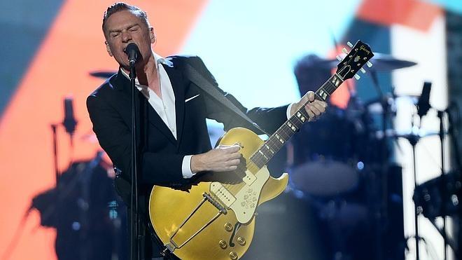 Bryan Adams cancela un concierto en EE UU para protestar contra una ley anti-gay