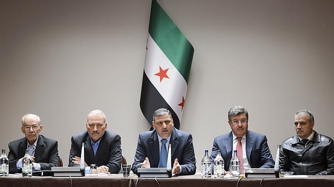 La oposición siria pospone su participación en las negociaciones de Ginebra