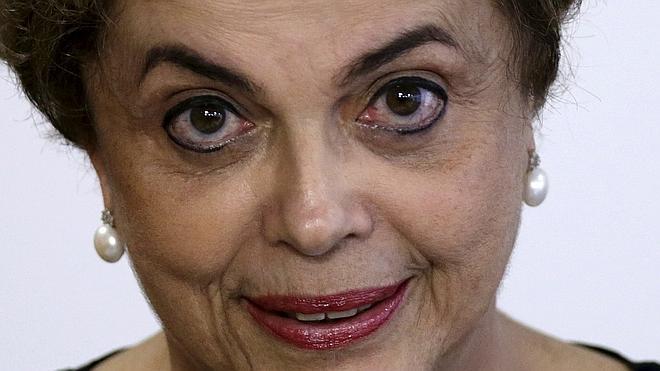 Rousseff, una exguerrillera que puede caer con las botas puestas