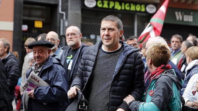 VOX denuncia a Otegi por «pasearse por los platós» justificando los crímenes de ETA